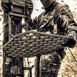 Folding Down the platform on a hang on tree stand