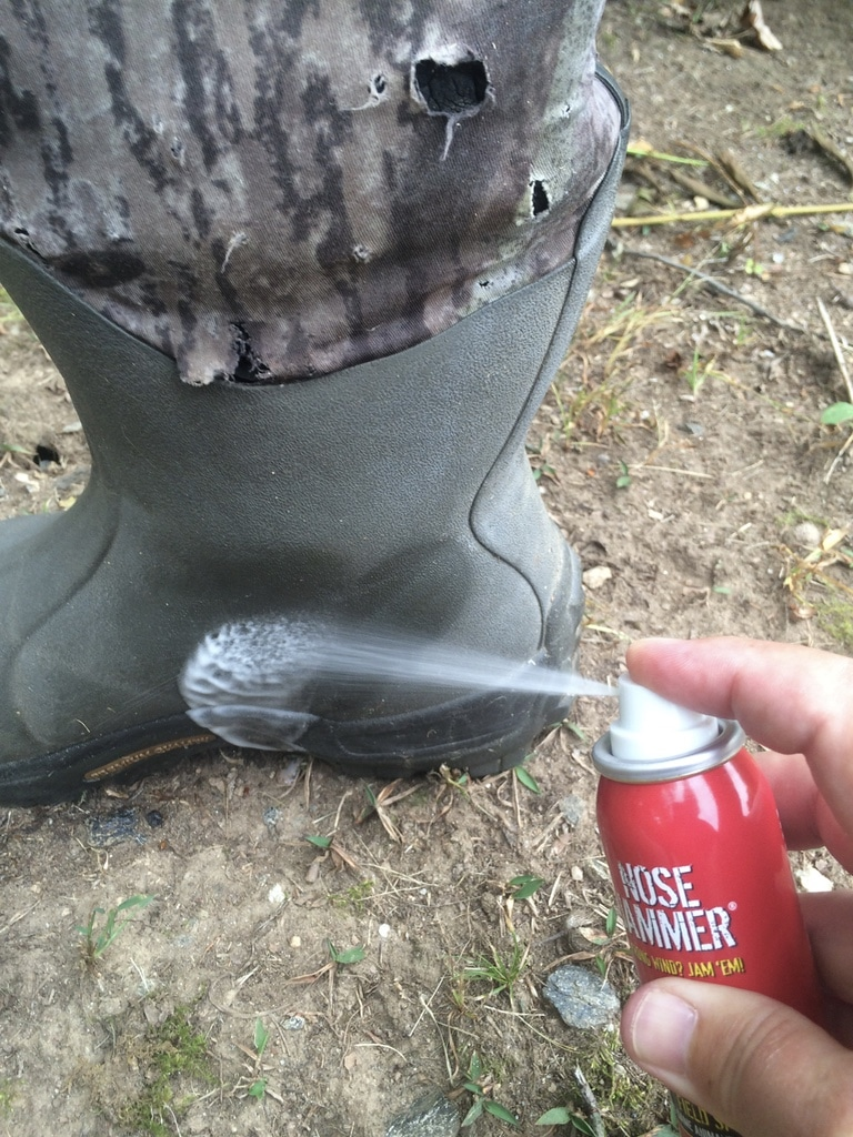 Spray boots with Nose Jammer